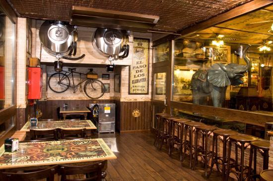 Restaurante El paso de los elefantes es cliente de Cafés Bernal