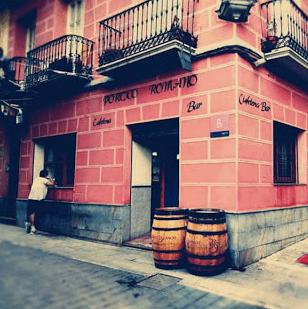 Portico Romano Cafés Bernal
